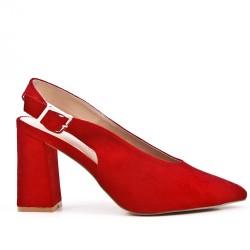 Zapatos de tacón de ante rojo con tacón
