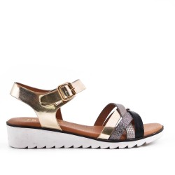 Golden sandal with comfort sole
