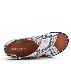 Sandale plate en simili cuir imprimé serpent