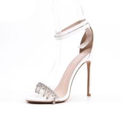 Sandalia blanco con joyas de tacón