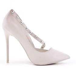 White leatherette pump with heels