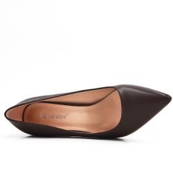 Brown leatherette pump with heels