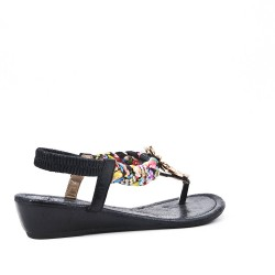 Black sandal with small offset