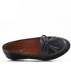 Black comfort moccasin in faux suede with pompom