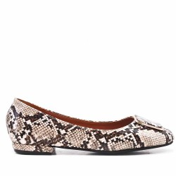 Beige faux leather ballerina with snake print