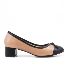 Beige comfort pump in faux leather