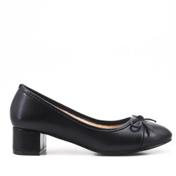 Black comfort pump in faux leather