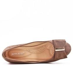 Zapatos de tacón de ante caqui con tacón