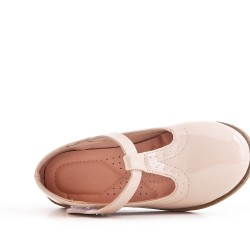 Beige girl ballerina in varnish