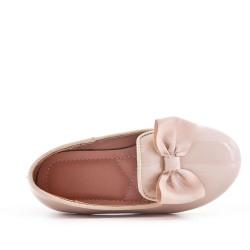 Beige girl ballerina in node varnish