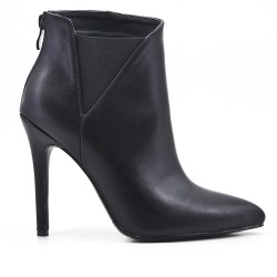 Black ankle boot in faux leather elastic yoke with heel
