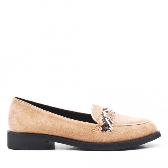 Moccasin in beige suede leather