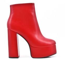 Bota rojo con cordones en piel sintética con plataforma