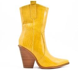 Botín amarillo en piel sintética con tacón