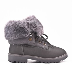 Camel child boot with lace and fur