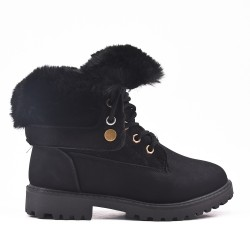 Black child boot with lace and fur