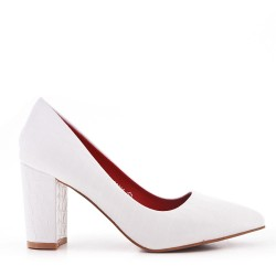 Croco print white pump with heel