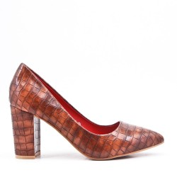 Croco print camel pump with heel