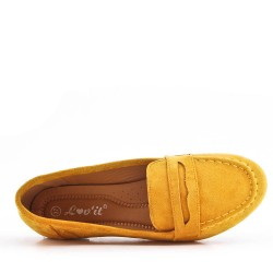 Moccasin in yellow suede leather