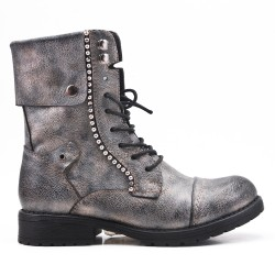 Gray ankle boot with lace-up lace