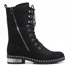 Lace-up suede black boot