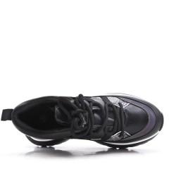 Basket noire à lacet avec semelle épaisse