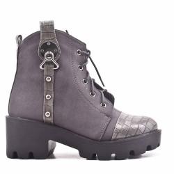 Bi-material gray boot with big heel