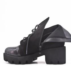 Bi-material black boot with big heel