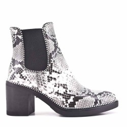 Ankle print imitation leather ankle boot