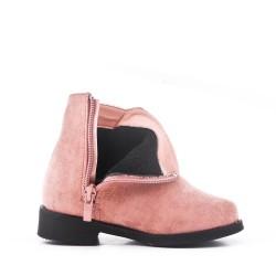 Bota de niña rosa en gamuza sintética con flequillo