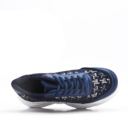 Navy basket with notched sole