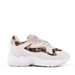 Beige sneaker with lace leopard pattern