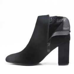 Black ankle boot in faux suede with heel