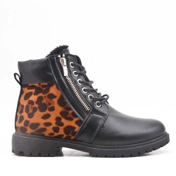 Leopard boot with lace