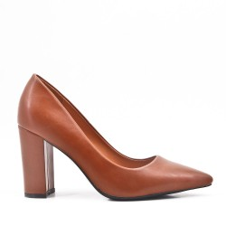 Camel leatherette pump with heels
