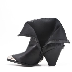 Black ankle boot with pointed toe