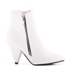 White ankle boot in croco leather with pointed toe