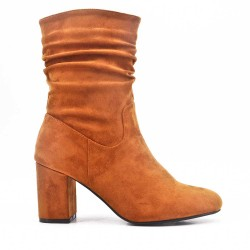 Camel boot in faux suede with heel