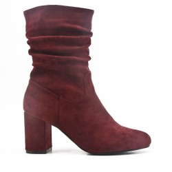 Red wine boot in faux suede with heel