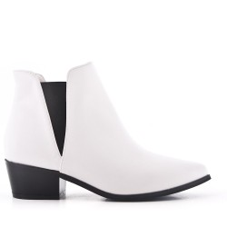 White ankle boot with pointed toe