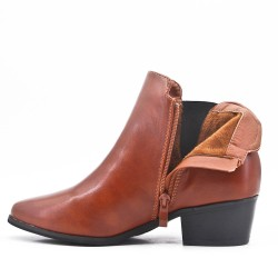 Camel ankle boot with pointed toe