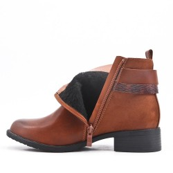 Bi-material camel boot with buckled straps