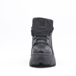 Basket noire dessus simili cuir avec semelle épaisse