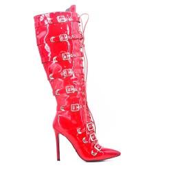 Botas rojo de charol con bridas abrochadas