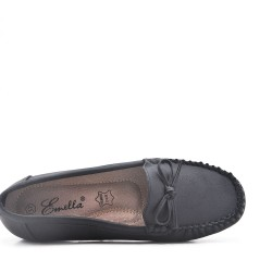 Black comfort moccasin in faux leather with bow