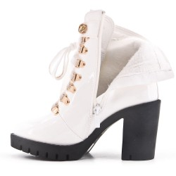 White ankle boot with laced heel and lace