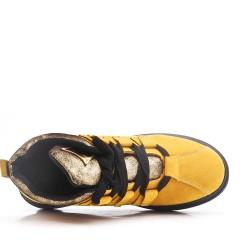 Cesta amarilla con cordones