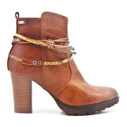 High heel boot detail rope