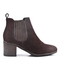 Ankle boot in faux suede with heel