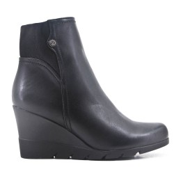 Faux leather ankle boot with platform sole